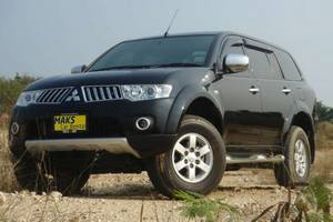 Rent a car Mitsubishi Pajero (13-15) - photo 1