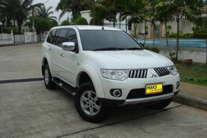 Rent a car Mitsubishi Pajero (13-15) - photo 2