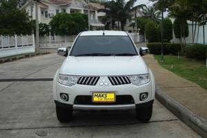 Rent a car Mitsubishi Pajero (13-15) - photo 3