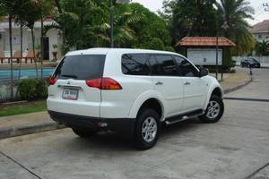 Rent a car Mitsubishi Pajero (13-15) - photo 5