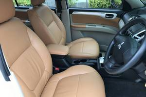 Rent a car Mitsubishi Pajero (13-15) - photo 9