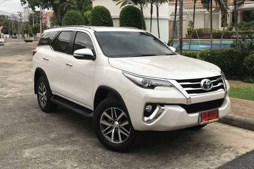 Car Rental New Toyota Fortuner 17 18 In Pattaya
