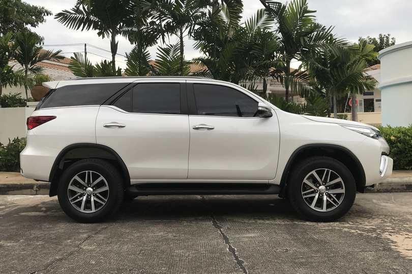 Car Rental New Toyota Fortuner 17 18 In Pattaya