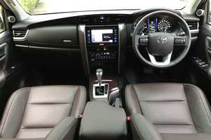 Rent a car NEW Toyota Fortuner (17-18) - photo 9