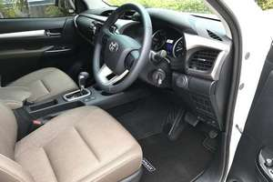 Rent a car NEW Toyota Hilux (17-18) - photo 7