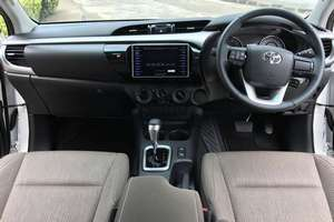 Rent a car NEW Toyota Hilux (17-18) - photo 8