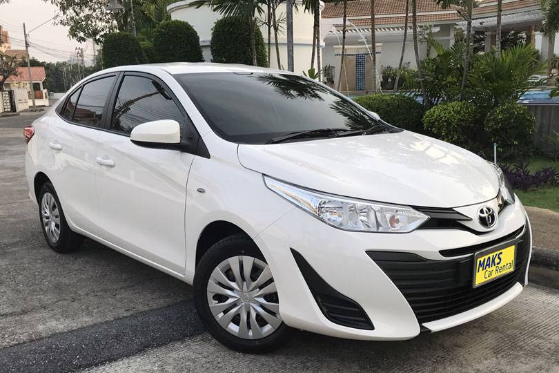 Toyota Yaris Ativ for rent